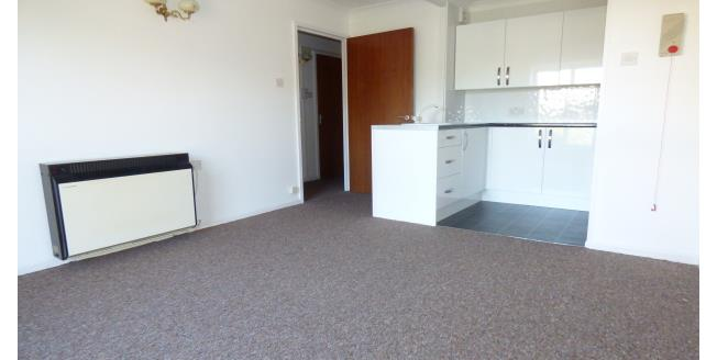 £650 per Calendar Month, 1 Bedroom Flat To Rent in Warminster, BA12