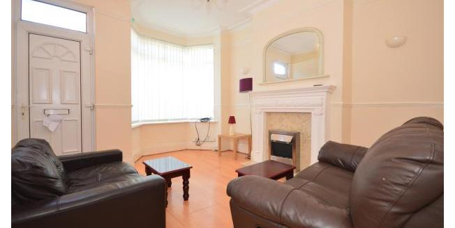 £1,120 per Calendar Month, 4 Bedroom Apartment To Rent in Sheffield, S11