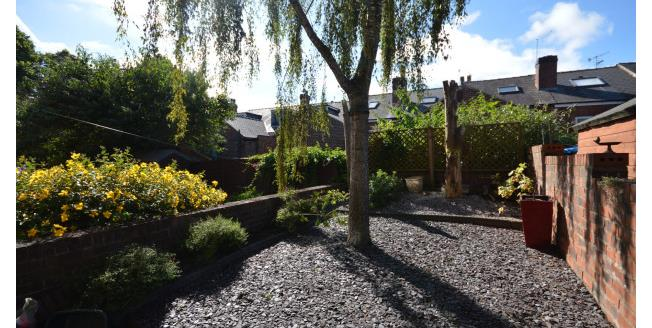 £1,000 per Calendar Month, 4 Bedroom Apartment To Rent in Sheffield, S11