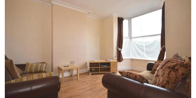 £1,000 per Calendar Month, 4 Bedroom Terraced House To Rent in Sheffield, S11