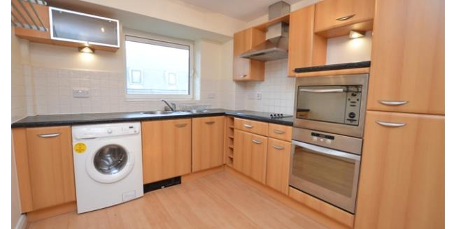 £950 per Calendar Month, 2 Bedroom Apartment To Rent in Sheffield, S1