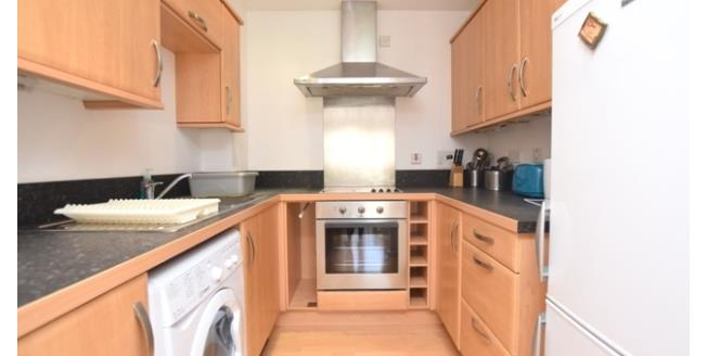 £700 per Calendar Month, 2 Bedroom Apartment To Rent in Sheffield, S1