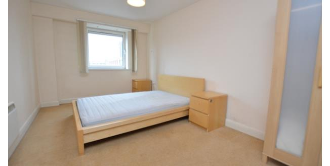 £1,000 per Calendar Month, 2 Bedroom Apartment To Rent in Sheffield, S1