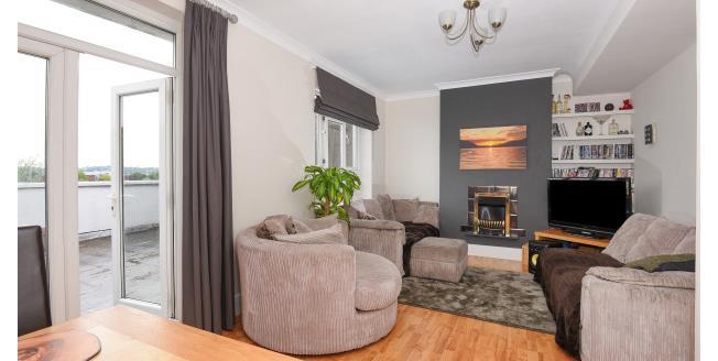 £1,400 per Calendar Month, 3 Bedroom Maisonette Apartment To Rent in Loughton, IG10
