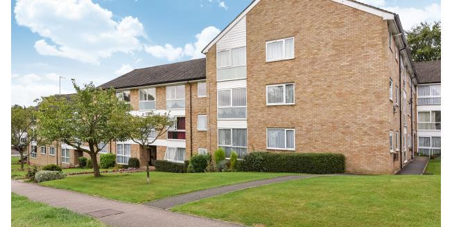 £1,150 per Calendar Month, 2 Bedroom Flat To Rent in Rickmansworth, WD3