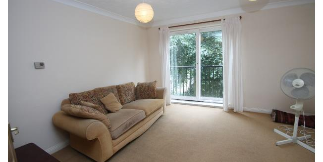 £900 per Calendar Month, 1 Bedroom Apartment To Rent in Croydon, CR0