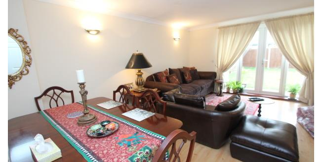 £1,600 per Calendar Month, 4 Bedroom End of Terrace House To Rent in Croydon, CR0