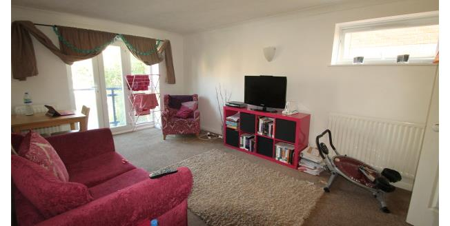 £1,100 per Calendar Month, 2 Bedroom Apartment To Rent in Croydon, CR0