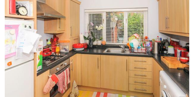 £1,295 per Calendar Month, 2 Bedroom Apartment To Rent in London, NW2