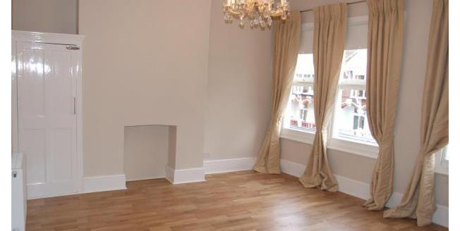 £950 per Calendar Month, 2 Bedroom Apartment To Rent in Southend-on-Sea, SS1