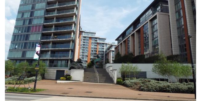 £2,400 per Calendar Month, 3 Bedroom Flat To Rent in London, E16