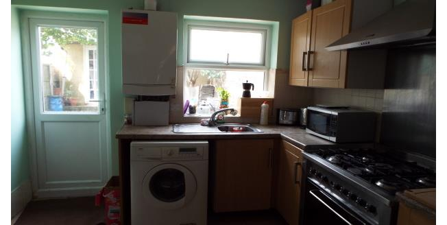 £2,800 per Calendar Month, 5 Bedroom House To Rent in London, E15