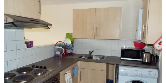 £1,325 per Calendar Month, 1 Bedroom Apartment To Rent in London, E14
