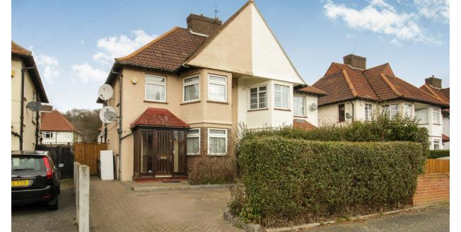 £1,800 per Calendar Month, 4 Bedroom House To Rent in London, E4