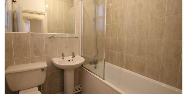 £1,300 per Calendar Month, 2 Bedroom Flat To Rent in London, SW16