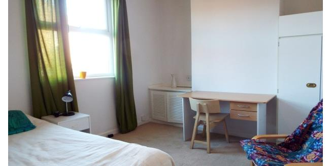 £325 per Calendar Month, 1 Bedroom Apartment To Rent in Coventry, CV5
