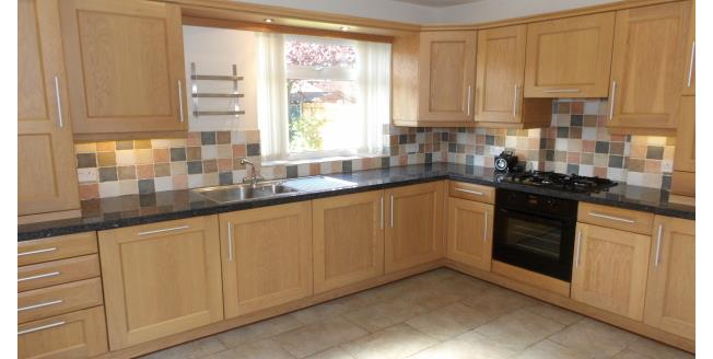 £850 per Calendar Month, 3 Bedroom Semi Detached House To Rent in Nottingham, NG8
