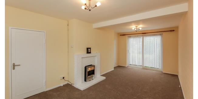 £1,600 per Calendar Month, 3 Bedroom House To Rent in Ilford, IG2
