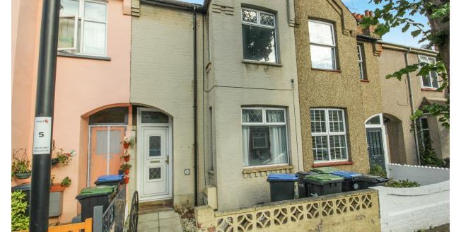 £1,399 per Calendar Month, 2 Bedroom Terraced House To Rent in Enfield, EN1