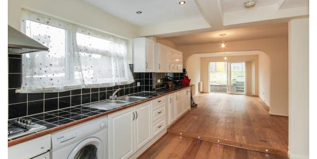 £1,750 per Calendar Month, 3 Bedroom Semi Detached House To Rent in London, N14