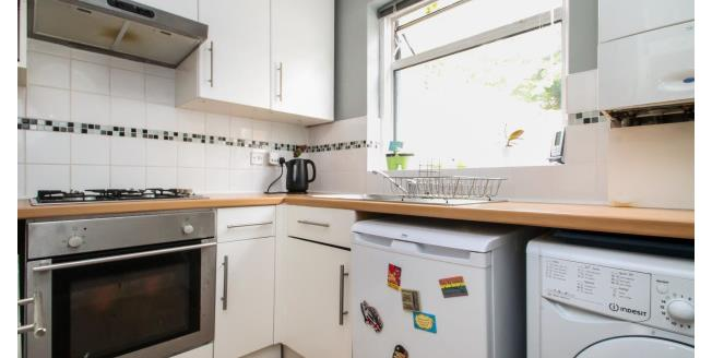 £1,250 per Calendar Month, 2 Bedroom Maisonette Apartment To Rent in Kenley, CR8