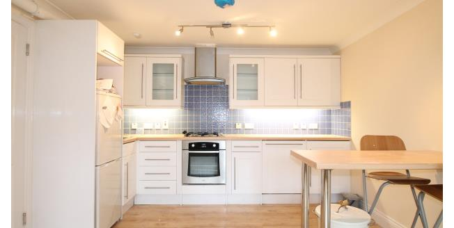 £925 per Calendar Month, 1 Bedroom Apartment To Rent in Whyteleafe, CR3