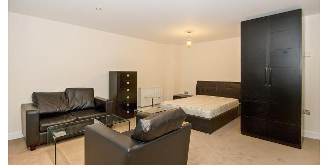 £1,300 per Calendar Month, To Rent in London, E16