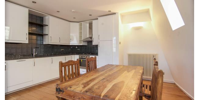 £2,253 per Calendar Month, 1 Bedroom Apartment To Rent in London, E1