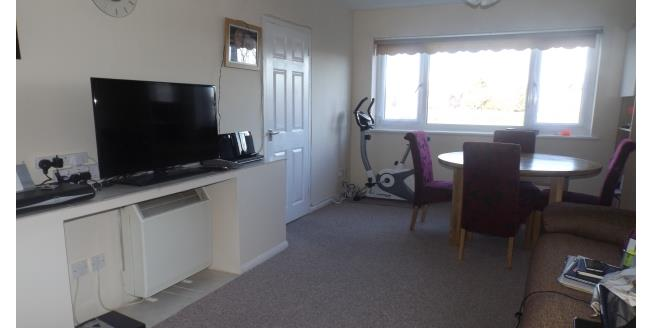 £600 per Calendar Month, 2 Bedroom Flat To Rent in Peterborough, PE1