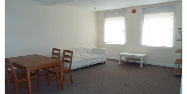 £260  per Calendar Month (Calculated), 3 Bedroom Flat To Rent in Nottingham, NG4
