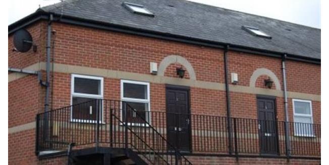 £851 per Calendar Month, 3 Bedroom Flat To Rent in Nottingham, NG4