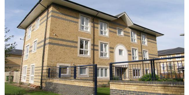 £1,250 per Calendar Month, 2 Bedroom Flat To Rent in Chesterton, CB4