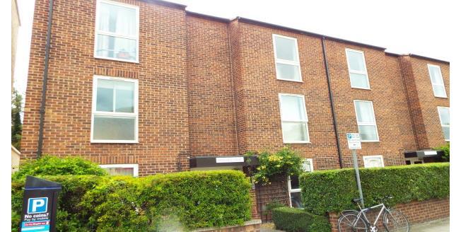 £900 per Calendar Month, 1 Bedroom Flat To Rent in Cambridge, CB4