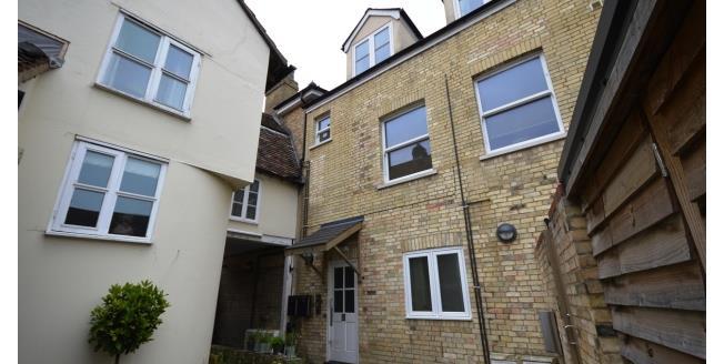 £980 per Calendar Month, 2 Bedroom Flat To Rent in Cambridge, CB3