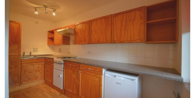 £935 per Calendar Month, 1 Bedroom Flat To Rent in Cambridge, CB2