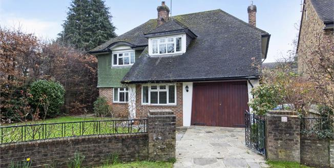 £2,500 per Calendar Month, 4 Bedroom Detached House To Rent in Claygate, KT10