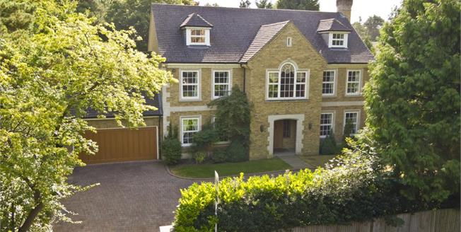 £7,500 per Calendar Month, 5 Bedroom Detached House To Rent in Weybridge, KT13
