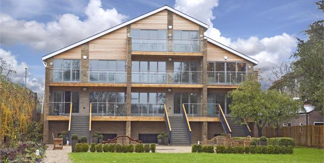 £1,895 per Calendar Month, 2 Bedroom Apartment To Rent in East Molesey, KT8