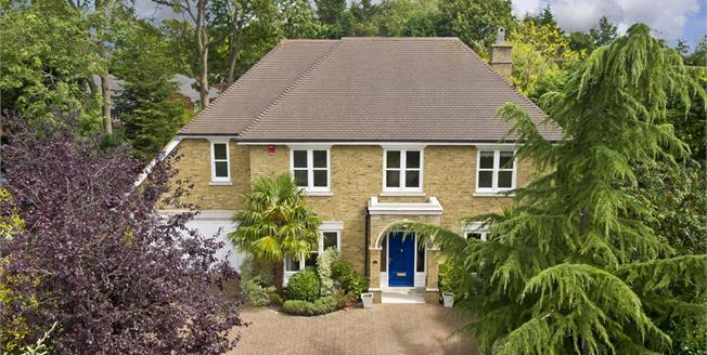 £5,250 per Calendar Month, 5 Bedroom Detached House To Rent in Walton-on-Thames, KT12