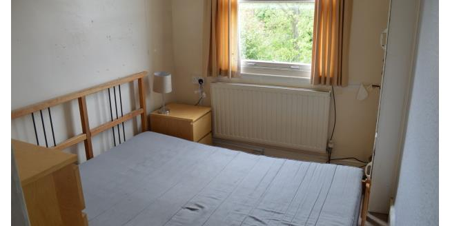 £300 per Calendar Month, 1 Bedroom Apartment To Rent in Wrexham, LL11