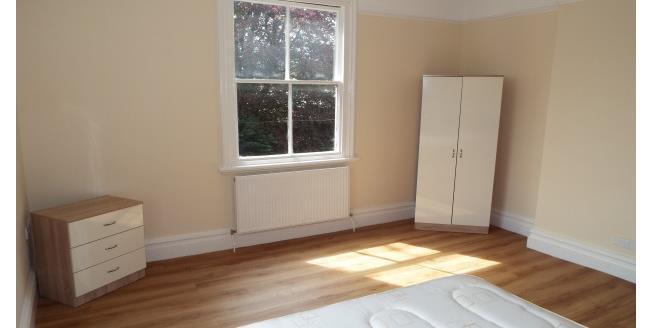 £350 per Calendar Month, 1 Bedroom Apartment To Rent in Wrexham, LL11