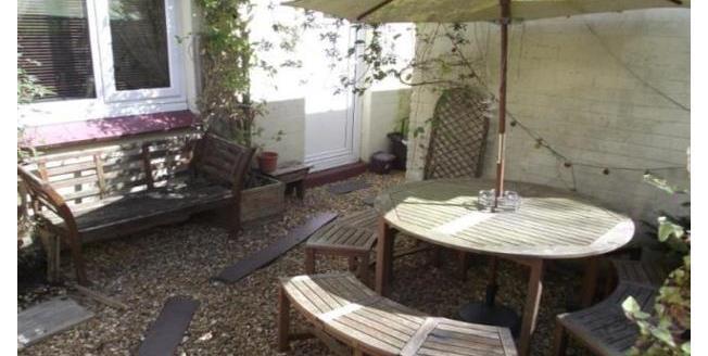 £600 per Calendar Month, 3 Bedroom Semi Detached House To Rent in Bangor, LL57