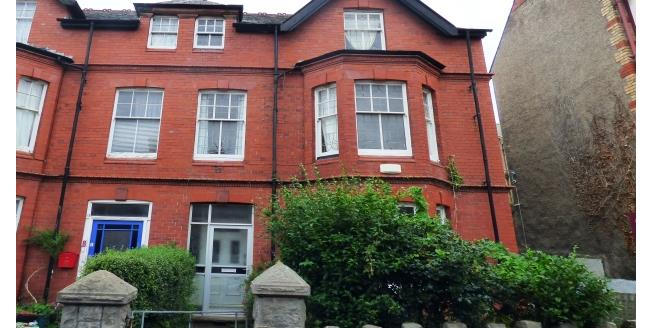 £950 per Calendar Month, 7 Bedroom House To Rent in Colwyn Bay, LL29