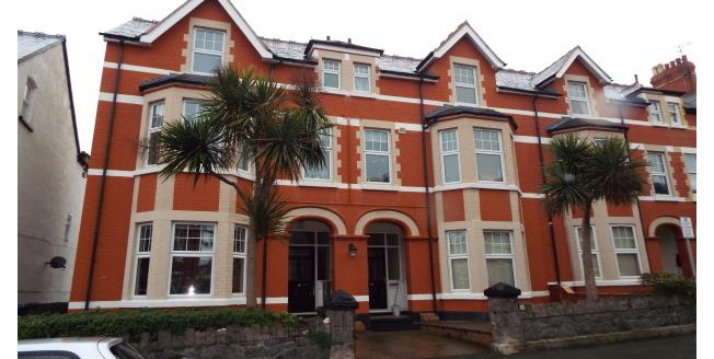 £450 per Calendar Month, 1 Bedroom Apartment To Rent in Colwyn Bay, LL29