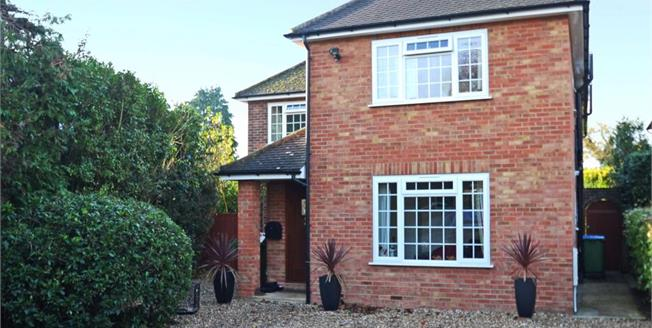 £3,895 per Calendar Month, 5 Bedroom Detached House To Rent in Surrey, KT11