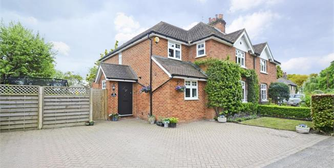 £3,250 per Calendar Month, 4 Bedroom Cottage House To Rent in Downside, KT11