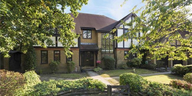 £5,750 per Calendar Month, 5 Bedroom Detached House To Rent in Cobham, KT11