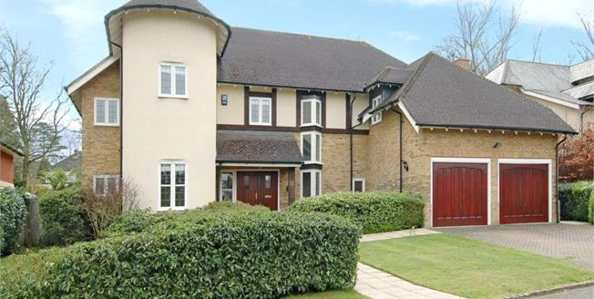 £4,200 per Calendar Month, 5 Bedroom Detached House To Rent in Cobham, KT11