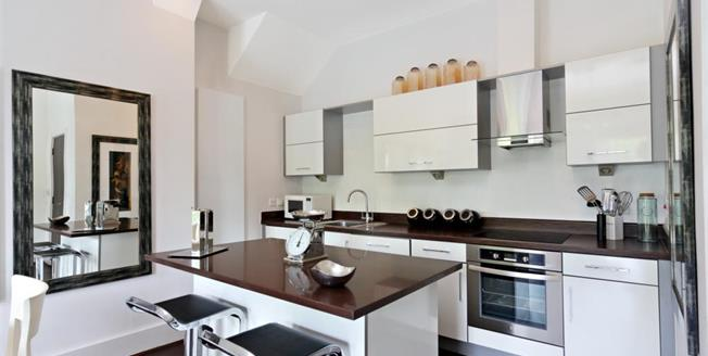 £1,995 per Calendar Month, 3 Bedroom Apartment To Rent in East Molesey, KT8