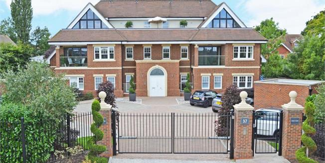 £2,750 per Calendar Month, 3 Bedroom Apartment To Rent in Esher, KT10